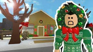 MAKING A BLOXBURG GINGERBREAD HOUSE FOR CHRISTMAS!