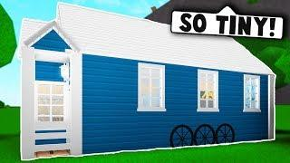 I MADE A TINY HOUSE ON BLOXBURG! (Roblox Bloxburg) Roblox Roleplay