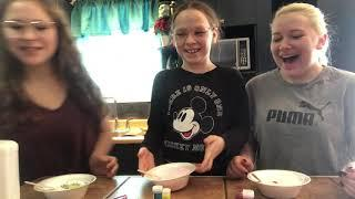 HOW TO MAKE SLIME┃Our 10 year old sister taught us how to make slime