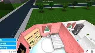 Bloxburg House Build Pt.2