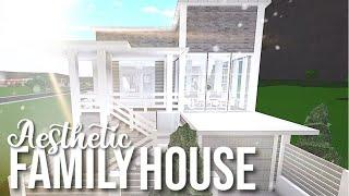 Bloxburg: Aesthetic Family House