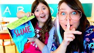 HOW TO MAKE SLIME AT SCHOOL WITHOUT GETTING CAUGHT! skit