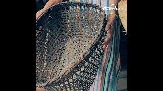 Making wine with bamboo basket | CCTV English