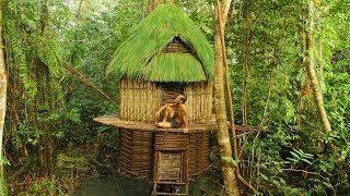 Amazing Alien Man Builds Tree house - Alien Man Builds Tree House On Second Floor In Amazon