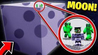 BUILDING A HOUSE ON THE MOON IN MINECRAFT!
