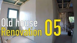 Old House Budget Renovation - Part 05 - Electrical, Ceiling, Paint