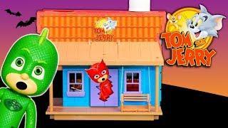 PJ Masks Halloween Treasure Hunt in Spooky Tom & Jerry House